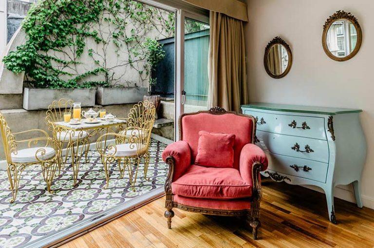 Apart Hotel Buenos Aires Balcony Sofa Table Chairs Mirror Wardrobe